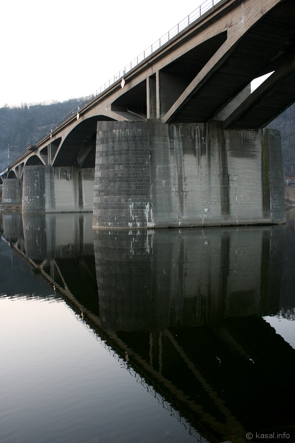Mirroring bridge